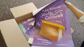 """Plakat promujący akcję """"Mała książka - wielki człowiek"""""""
